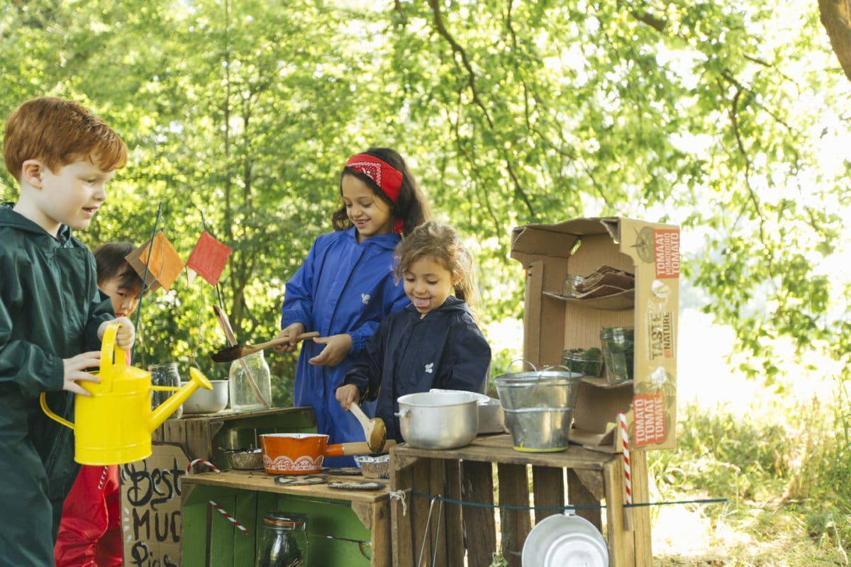 5 simple steps to make your very own mud kitchen